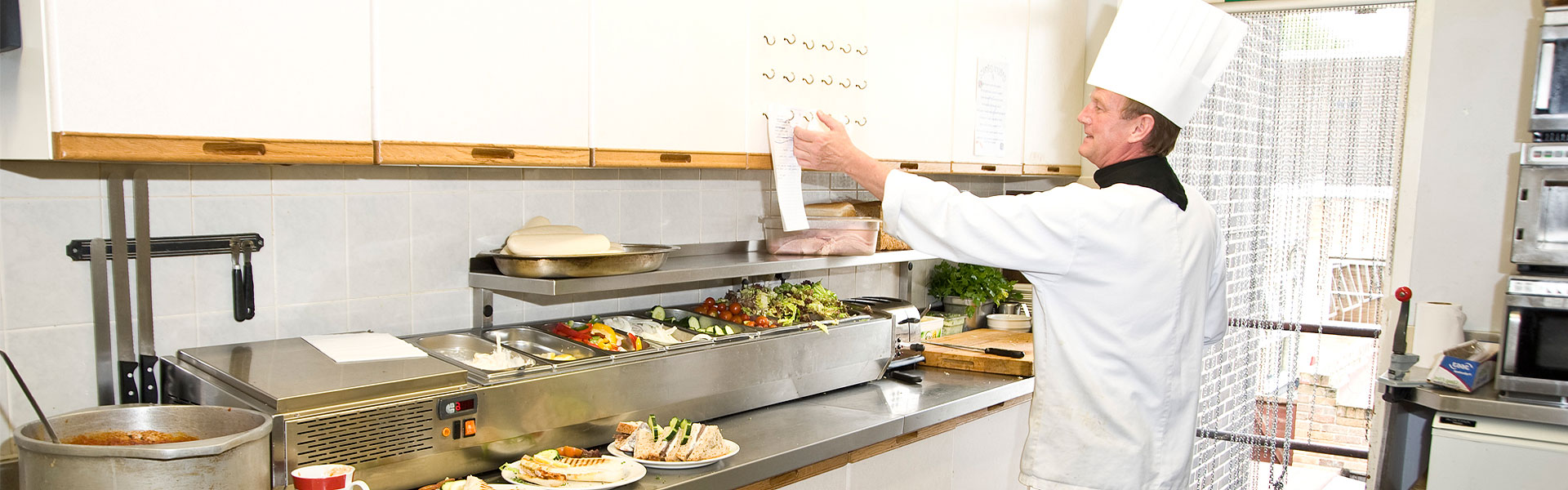 Top 5 tips for kitchen hygiene    - The Hygiene Company